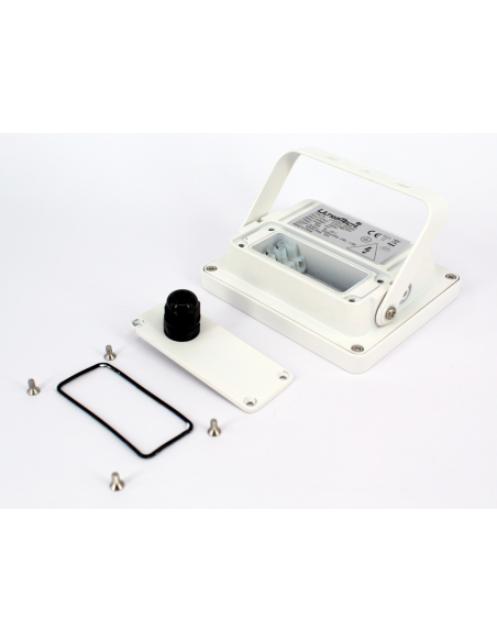 UltraTech  LED reflektor 30W fehér 4000K hidegfehér 3000 lumen  IP65 30000 óra FL3000WH